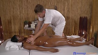 Massage makes the thick ebony babe approximately naturally crave be expeditious for cock