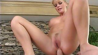 Lea #101 - Fruit anal