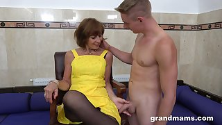 Sweltering GILF loves what she sees and that of age lady knows how to fuck