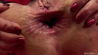Nasty mature Javorszky Aguts gets her wide open asshole fucked