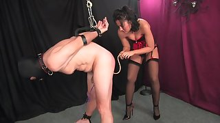 Dominant woman pain in the neck fucks her slave and lets him cum chiefly her